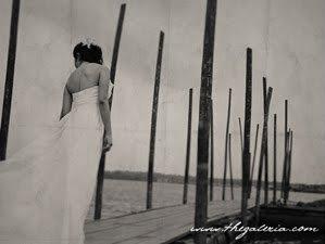 Glenn & Sarah / Kodak TRI-X / Film Wedding Photographer Brian Ho / thegaleria