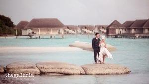 Maldives Pre-Wedding & Destination Weddings by Film Wedding Photographer Brian Ho from thegaleria. Film: CineStill 50D